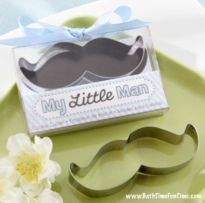 Great baby shower favors on a budget? Cookie cutters are always popular and go nicely with pretty much every baby shower theme. Cute, practical & affordable! Come see this & more baby shower ideas here: www.bathtimefuntime.com/baby-shower-favors
